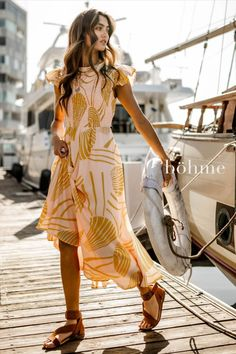 Shop our latest arrivals of Summer dresses! Amazing quality at a great price. Maxi dresses, midi dresses, mini dresses and everything in between. Free shipping and returns on all orders over $50 in the U.S. Smock Dress, Maxi Dress With Sleeves, Wrap Dress, Summer Outfits, Cute Outfits, Summer Dresses, Fashion Essentials, Dress To Impress, Casual Dresses