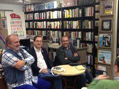 Jesús Marchamalo y Antonio Santos presentaron su libro 'Kafka con sombrero', editado por Nórdica editorial. Les acompañó el escritor José Luis Melero.