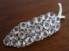 Vtg-Designer-REJA-Silver-Open-Back-Crystal-Rhinestone-Jeweled-Brooch-Pin