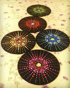 Back Painting, Dot Art Painting, Mandala Painting, Stone Painting, Cd Wall Art, Cd Art, Vinyl Record Crafts, Vinyl Art, Old Cd Crafts