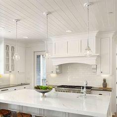 Kitchen Hoods, New Kitchen, Kitchen Decor, Kitchen Ideas, Kitchen Flooring, Kitchen Countertops, Kitchen Backsplash, Interior Design Kitchen, Interior Design Living Room
