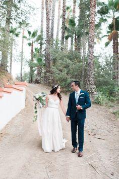 Outdoor wedding photography ideas at Rancho LAs Lomas - Hello Blue Photography