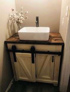 35 Rustic Bathroom Vanity Ideas to Inspire Your Next Renovation - The Trending House Rustic Bathroom Vanities, Boho Bathroom, Rustic Bathrooms, Bathroom Design Small, Bathroom Furniture, Bathroom Interior, Modern Bathroom, Master Bathroom, Vanity Bathroom