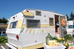Very sharp 1969 Shasta Starflyte Trailer painted yellow and white