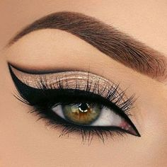 Once you master eyeliner application, your makeup routine will never be boring. Discover many eyeliner styles here. Sexy Eye Makeup, Makeup Eye Looks, Beautiful Eye Makeup, Eye Makeup Art, Eye Makeup Tips, Eyeshadow Makeup, Makeup Inspo, Makeup Inspiration, Eyeshadow Palette