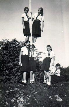 Bund Deutscher Mädel German People, German Women, German Girls, Raza Aria, Beauty Society, Ww2 Women, Youth Camp, German Uniforms, The Third Reich