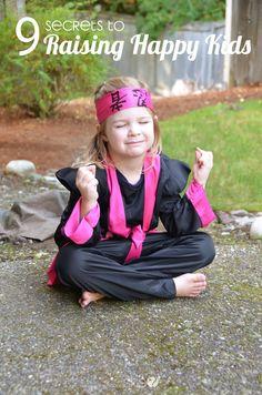 9 Secrets to Raising Happy Kids - 9 secrets to raising happy kids (featured) Informations About 9 Secrets to Raising Happy Kids Pi - Parenting Articles, Kids And Parenting, Parenting Hacks, Emotional Resilience, All Family, Kids Corner, Kids Health, Happy Kids, Raising Kids