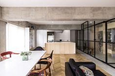 Image 1 of 13 from gallery of Syncopated, Revolving Door Condo / Tomokatzu Hayakawa Architects. Courtesy of Tomokatzu Hayakawa Architects