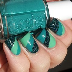 Love the color palette, but not sure if I like it on finger nails. Fancy Nails, Love Nails, Diy Nails, Pretty Nails, Tape Nail Designs, Cool Nail Designs, Nails After Acrylics, Nailart, Acryl Nails