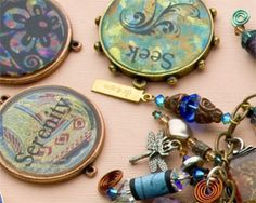 Mixed media jewelry techniques - How to make resin jewelry using bezels. Free eBook.