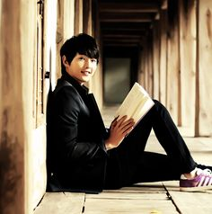Song Joong Ki and books에이스카지노*HERE777.COM*에이스카지노