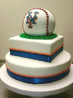 new york mets cakes 50th Birthday Cakes For Men, Daddy Birthday, 60th Birthday, Plan My Wedding, Wedding Stuff, Dream Wedding, Wedding Ideas, New York Mets, Ny Mets