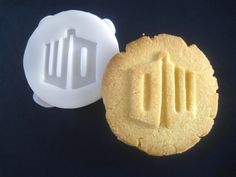 Dr WHO inspired logo COOKIE STAMP recipe and instructions - make your own Doctor Who inspired cookies by totalum on Etsy https://www.etsy.com/listing/114571790/dr-who-inspired-logo-cookie-stamp-recipe