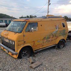 Check out Rolling Room for a wide variety of Custom Van Pictures. Customised Vans, Custom Vans, Old Trucks, Pickup Trucks, Dodge Trucks, Mens Vans Shoes, Vans Men, Camper, Old School Vans