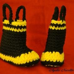 grandma needs to make my kids these for christmas one year when i have them they are so cute :)