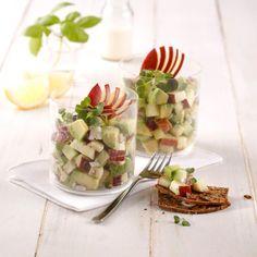 Mini-tacos de wonton au crabe et crevettes nordiques - Je Cuisine Crab Salad, Cucumber Salad, Fruit Salad, Antipasto, Hors D'oeuvres, Tempura, Tapas, Guacamole, Entrees