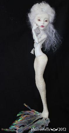 Monster High custom repaint Spectra albino mermaid by on deviantART Custom Monster High Dolls, Monster High Repaint, Monster Dolls, Custom Dolls, Monster High Mermaid, Ever After Dolls, Doll Painting, Doll Repaint, Albino