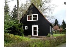 Oostenrijkse woningen Scandi Home, Wooden Houses, Modern Buildings, Cabin, Architecture, House Styles, Home Decor, Timber Homes, Arquitetura