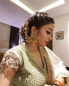 Feeling pretty and beautiful in my favourite designer in my fav city Raipur Styled by my fav Indian Bridal Hairstyles, Indian Bridal Outfits, Indian Wedding Jewelry, Wedding Hairstyles, Bridal Jewellery, Diamond Jewellery, Indian Jewelry Earrings, Ear Jewelry, Fashion Earrings