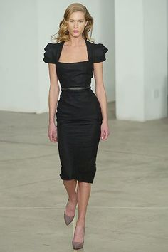 Roland Mouret Fall 2005 Ready-to-Wear Fashion Show - Erin Wasson