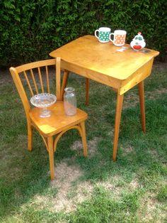 1000 ideas about table et chaise enfant on pinterest for Table ancienne et chaises modernes