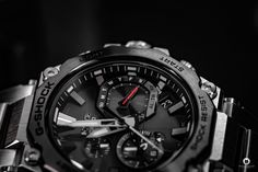 Casio released the latest generation of its G-SHOCK MTG-B2000D-1AER series, which I was now allowed to test as MTG-B2000D 1AER. Casio Edifice, Casio G-shock, Watch Blog, Latest Generation, Mtg, In This Moment, Digital Watch, Luxury Watches, Fire Department