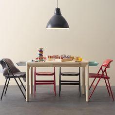 IKEAのテーブル&チェアを組み合わせてインテリアを楽しもう♪いろんな ... ダイニングテーブル×赤と黒のチェア. IKEA JAPAN