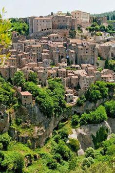 * Toscane