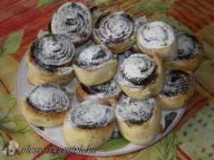 Kakaós csiga recept fotó Cheesecake, Muffin, Ale, Breakfast, Recipes, Food, Basket, Morning Coffee, Cheesecakes