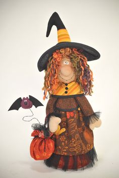 Lady Witch USA epattern by ilmondodellenuvole on Etsy Halloween Quilts, Halloween Doll, Holidays Halloween, Halloween Crafts, Happy Halloween, Halloween Decorations, Country Halloween, Couture Pour Halloween, Manualidades Halloween