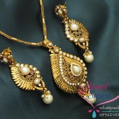 Gold_Plated_Antique_Pendant_Set_Ear_Rings
