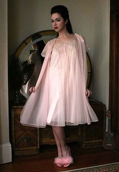 Dollhouse Bettie - Pinup and Vintage Lingerie - 50s Pink Pleated Nylon & Lace Van Raalte Peignoir Set | Archives | Shop