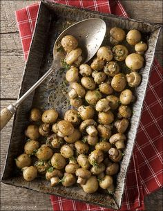 Oven-Roasted Mushrooms with Butter, Garlic & Parsley - Click image to find more Food & Drink Pinterest pins