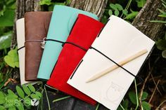 Beautiful, Easy-to-Make, Reusable, Nature Journals! {Tutorial and FREE template included!} These would make the perfect gift for any occasion! {Especially those who love nature, for a camping trip, photo journal, sketchbook, so many ideas!}