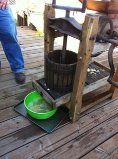 Apple Press--making homemade apple cider