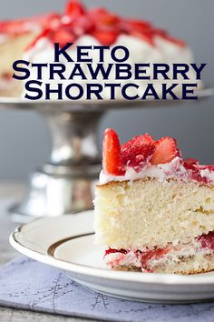 Harlan Kilstein's Completely Keto Strawberry Shortcake Spring is in the air and this delicious strawberry shortcake is a lovely way to celebrate! Low Carb Desserts, Low Carb Recipes, Dessert Recipes, Dinner Recipes, Meal Recipes, Stevia, Ketogenic Diet, Ketogenic Desserts, Fudge