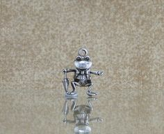 dancing frog charm with moveable legs