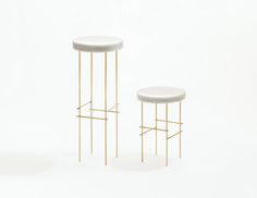Marblelous Pedestals in marble and brass by Aparentment