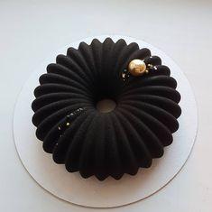 Elegant Birthday Cakes, Beautiful Birthday Cakes, Fancy Desserts, Delicious Desserts, Dessert Recipes, Beautiful Cake Designs, Beautiful Cakes, Crazy Cakes, Fancy Cakes