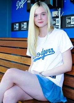 Elle Fanning Cute Little Girl Dresses, Cute Young Girl, Cute Girl Outfits, Cute Little Girls, Cool Girl, Young Celebrities, Beautiful Celebrities, Gorgeous Women, Celebs