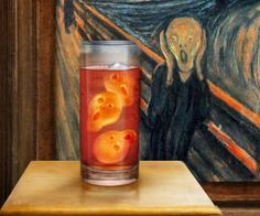 Add some true artistry to every beverage you consume when utilizing the screamer ice cube tray. With this unique tray, each set of ice cubes come out as small renderings of the classic expressionist painting, 'The Scream'; it's the ideal ice breaker for social gatherings.