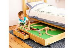 Great idea for where to keep the train set.