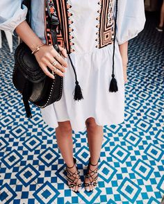 Details... @chloe Hudson bag & @aquazzura sandals #chloegirls