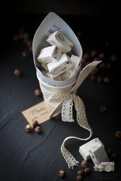 weißes Nougat mit Mandel und Haselnuss - Knuspergeburtstagsgruß fürs Knusperstübchen