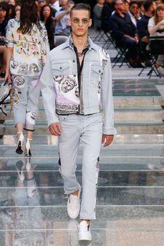 Versace Spring-Summer 2018 - Milan Fashion Week