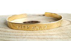 Messing tekst armband smal | hand stamped bracelet | tekst sieraden