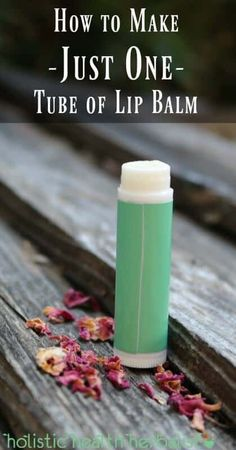 How to Make Just One Tube of Lip Balm – Holistic Health Herbalist – lippenbalsam selber machen Homemade Lip Balm, Diy Lip Balm, Diy Lotion, Lotion Bars, Lip Balm Recipes, Lip Scrubs, Salt Scrubs, Body Scrubs, Homemade Beauty Products