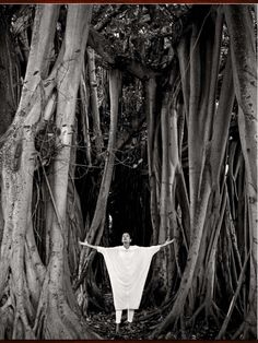 Art & Photography Homestory: Force Of Nature; June 2013; Michele Oka Doner photographed by Bruce Weber