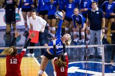 BYU women's volleyball sweeps San Fransisco - The Daily Universe Women Volleyball, Volleyball Team, Byu Sports, Volleyball Pictures, San Fransisco, University Of Kentucky, American Women, Universe, College