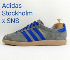 Adidas Stockholm x SNS (Sneakers 'n' Stuff) - these shaggy beauties were a collaboration between Adidas and Swedish sports shop Sneakers 'n' Stuff, better known as SNS. Football Casual Clothing, Football Casuals, Adidas Og, Adidas Sneakers, Adidas Classic Shoes, Sneakers N Stuff, Vintage Adidas, Sports Shops, Cool Kids